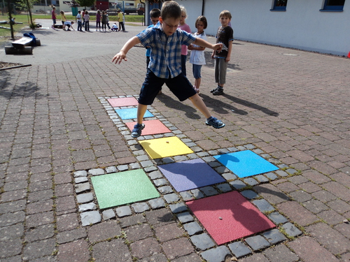 Pausehof der Grundschule in Premich