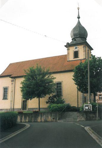 Waldfenster Kirche