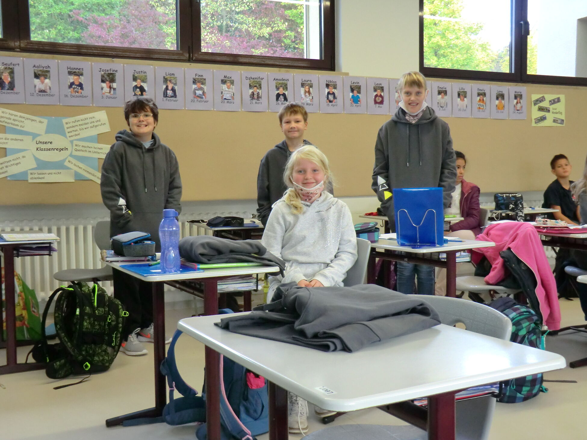 Schulkleidung - 5. Klasse II
