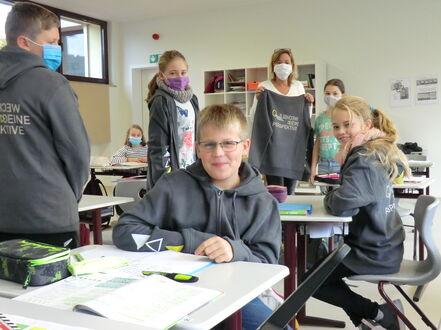 Schulkleidung - 5. Klasse - Übergabe