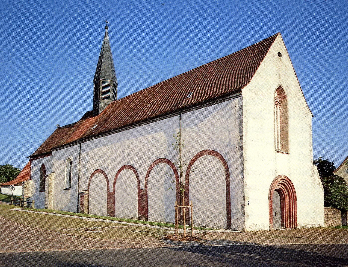 Kloster Außenansicht_74